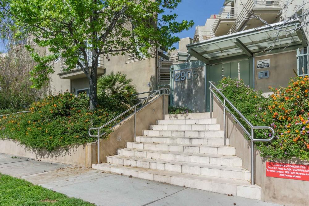 2905-Montrose-Ave,-Glendale,-CA-91214-2-MLS